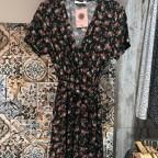Vestido Semicruzado Rosas - Negro
